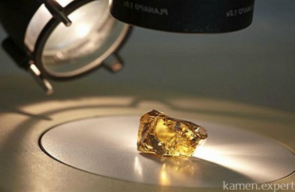 Камень под микроскопом