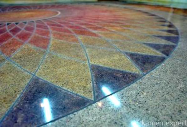 Мозаичный пол из мрамора