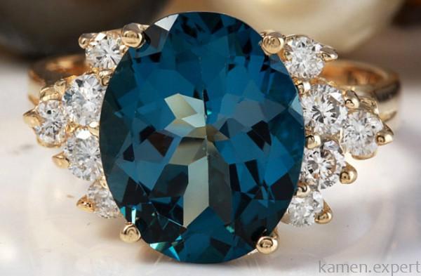 Перстень с топазом London Blue