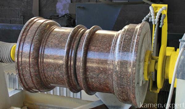 Процесс обработки детали из гранита