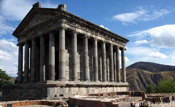 Реконструированный храм из базальта в Армении