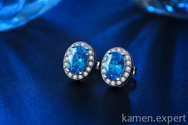 Серьги с голубыми камнями