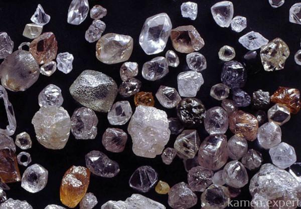 Алмазы разных цветов