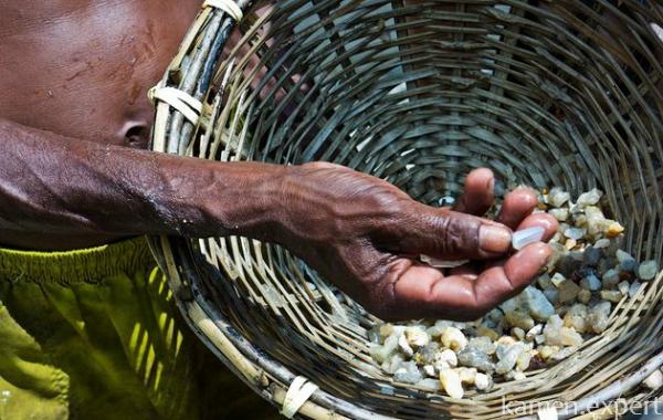 Добыча белых камней