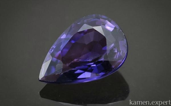 Фиолетовый сапфир