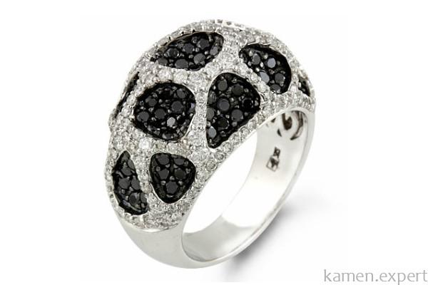 Кольцо с белыми и черными камнями