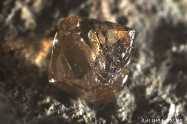 Натуральный алмаз