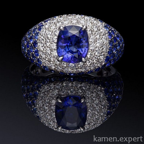 Перстень с россыпью камней