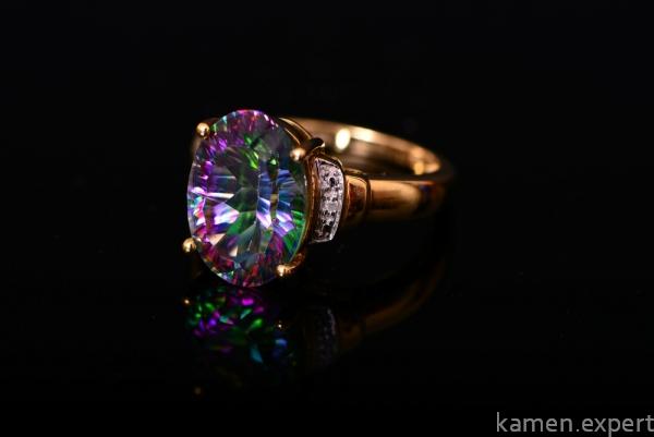 Золотое кольцо с мистик топазом