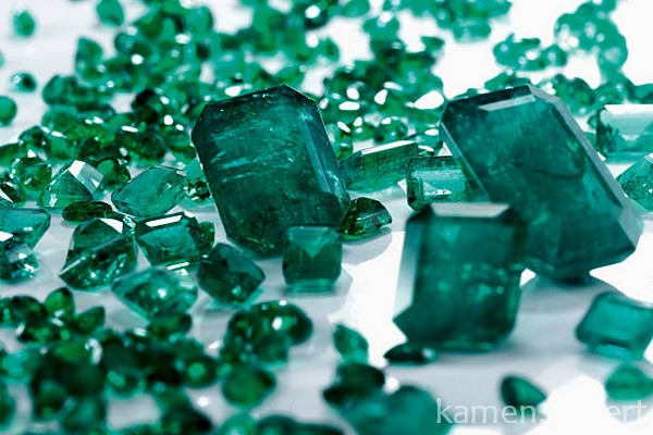 Изумрудные камни