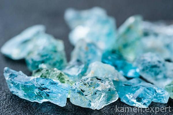 Необработанные кристаллы