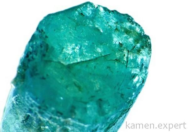 Зеленоватый кристалл