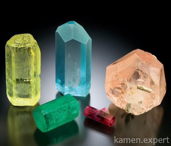 Камни разных цветов