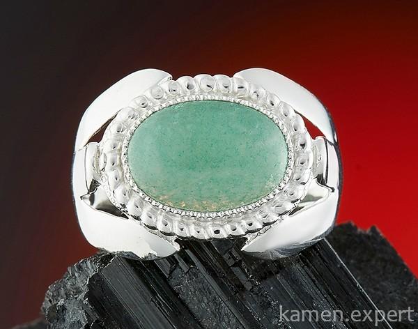Кольцо с зеленым авантюрином