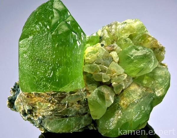 Природный минерал