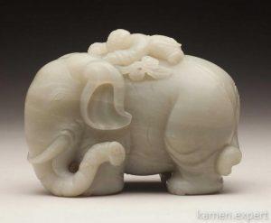 слон из белого нефрита