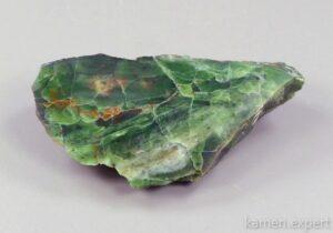 зеленый опал срез